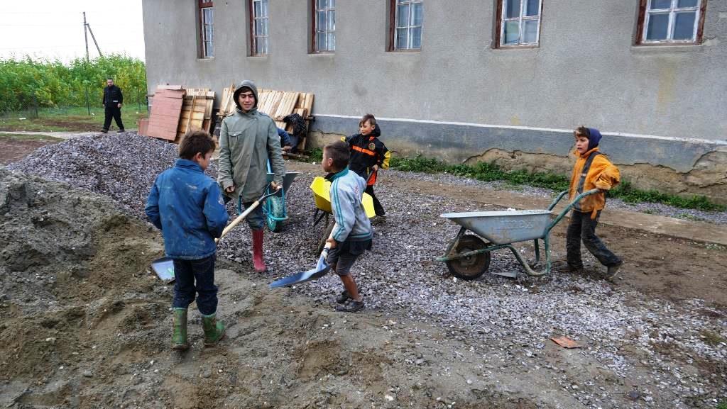 Aanleg_betonpad-zigeunerkamp (11)