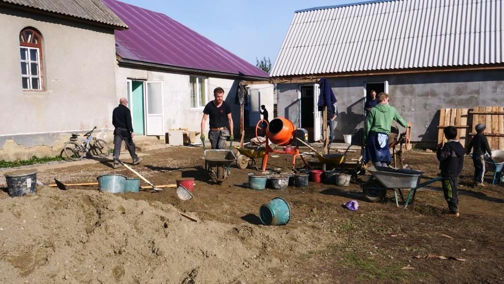 Aanleg_betonpad-zigeunerkamp (23)