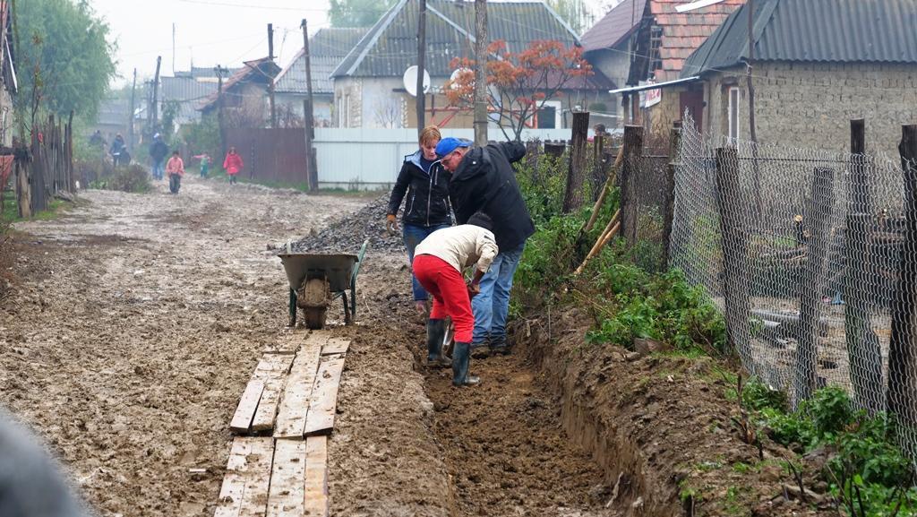 Aanleg_betonpad-zigeunerkamp (8)