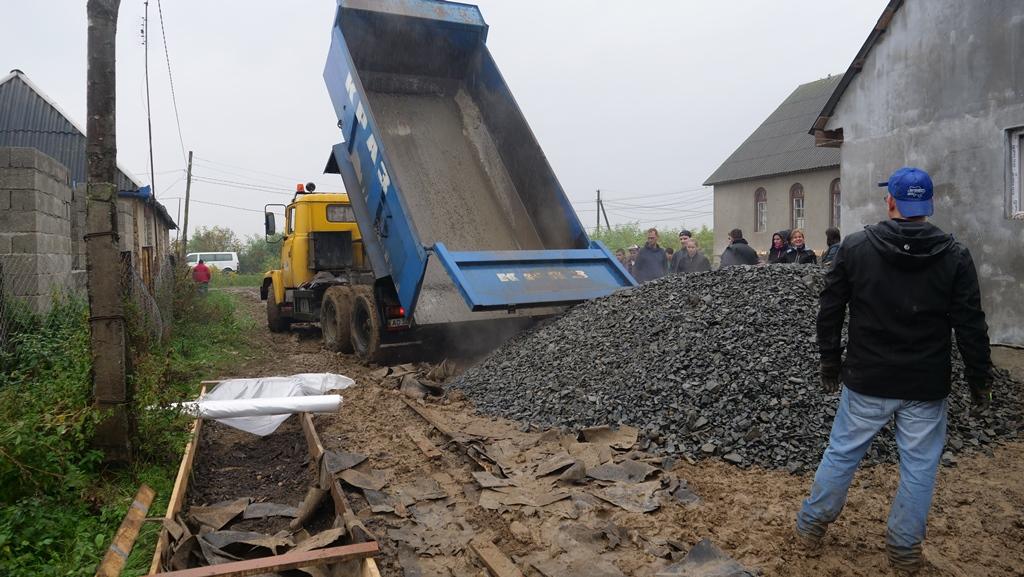 Aanleg_betonpad-zigeunerkamp (9)